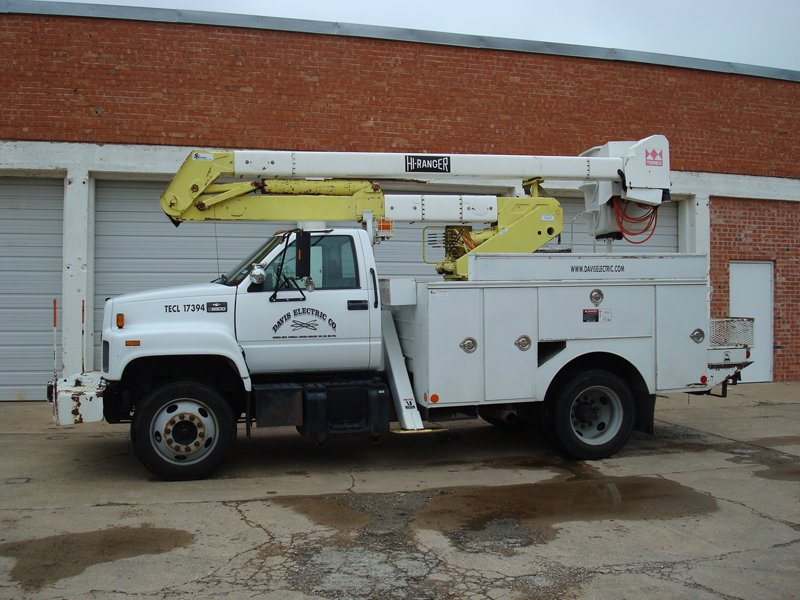 Davis Electric As An Electrical Service Contractor